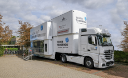 "Evaluation Science Truck ""Touch Tomorrow"""
