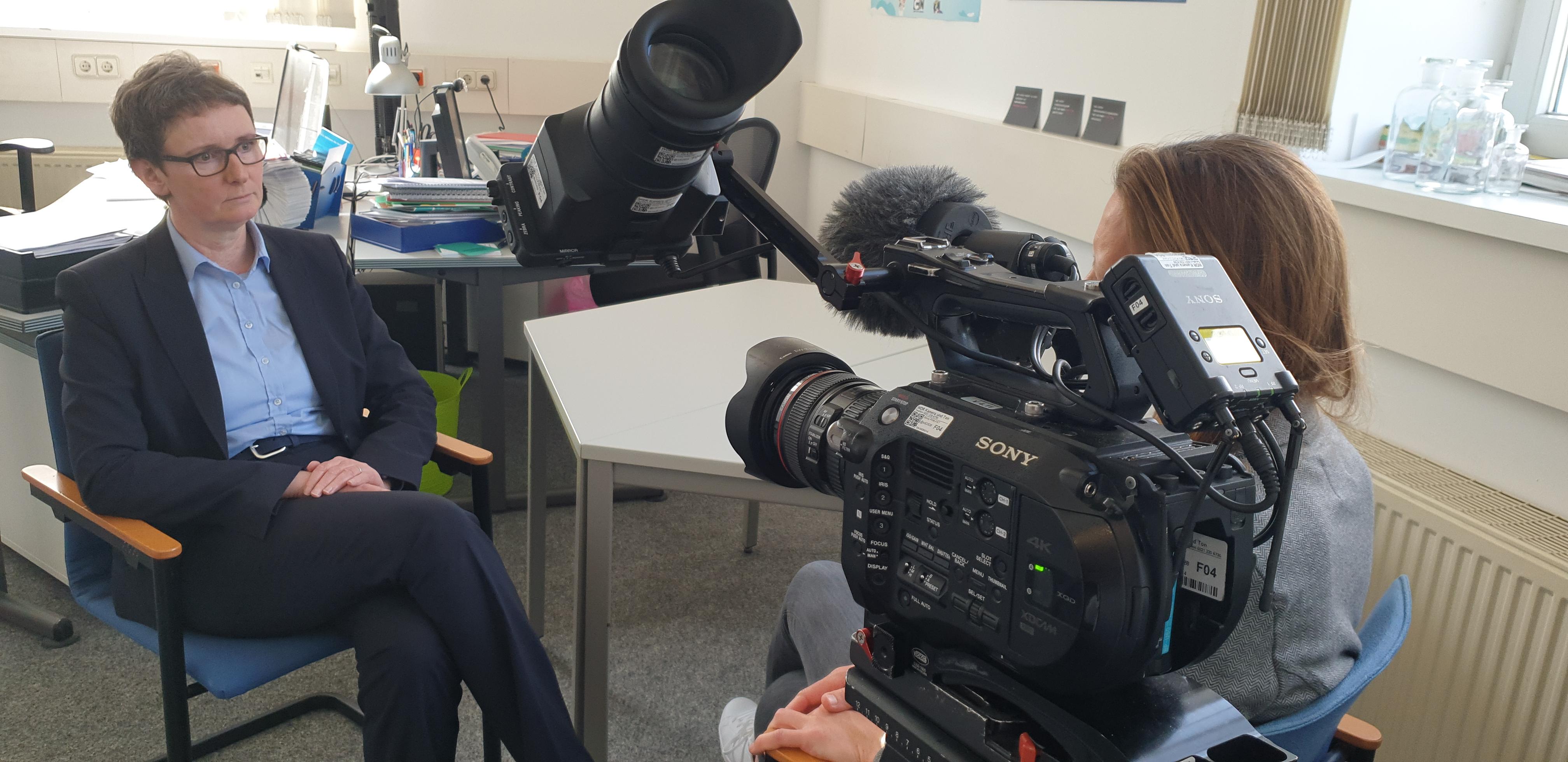 Dr. Ulrike Struwe im Gespräch mit Frau tv