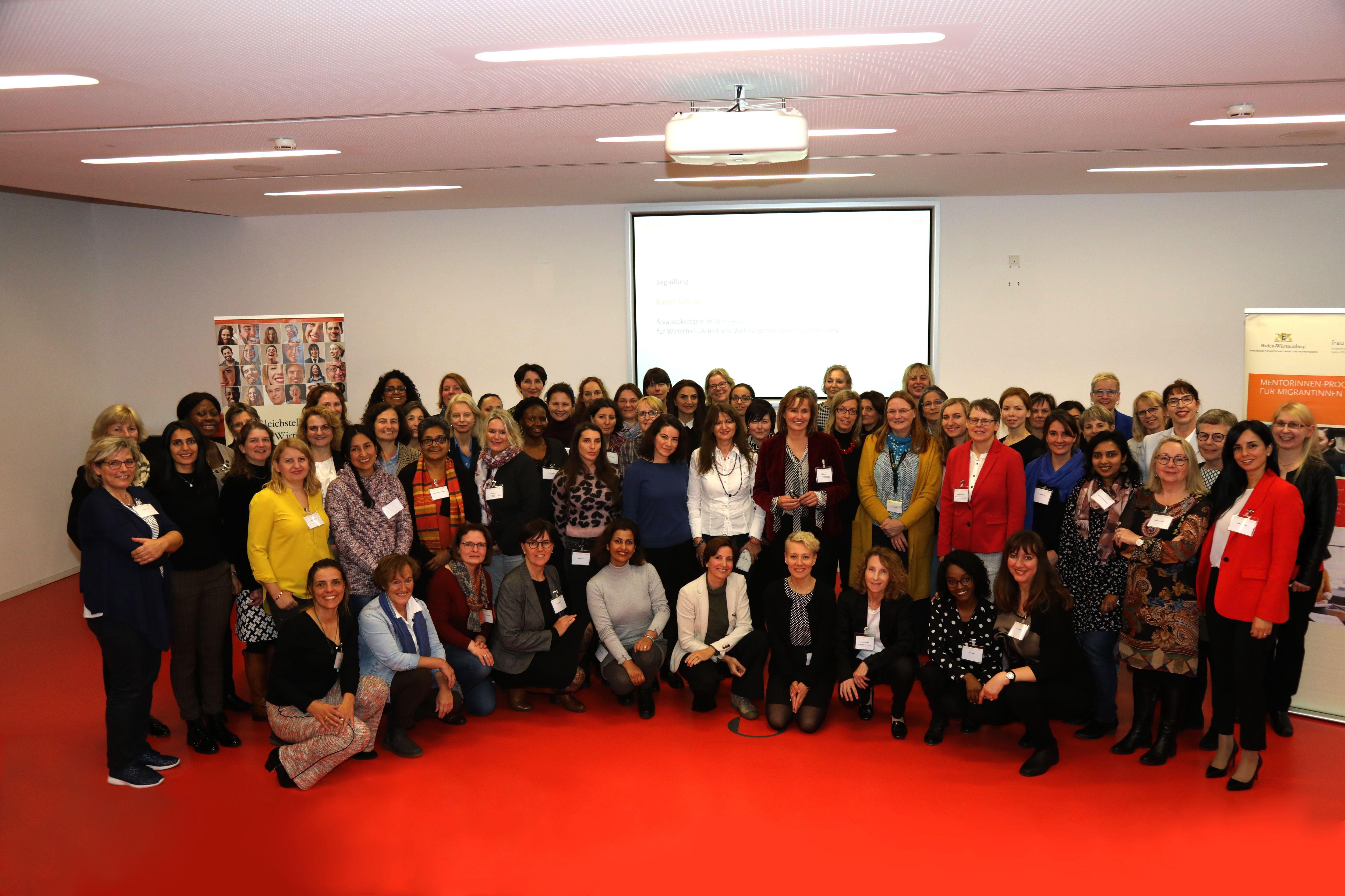 Gruppenfoto Abschlussveranstaltung Mentorinnen-Programm