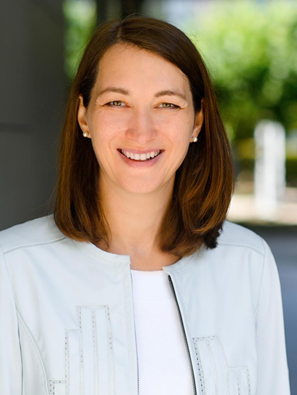Porträt von Dr. Sabine Sickinger