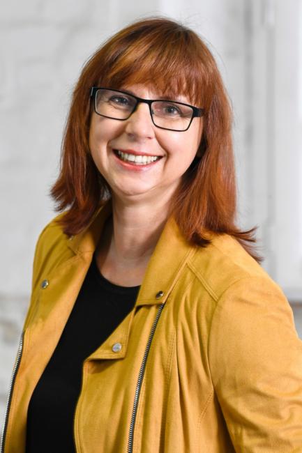 Porträt von Karin Lühmann