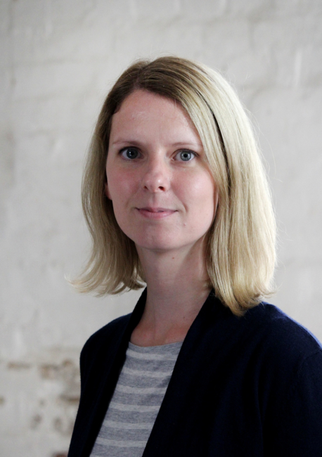 Porträt von Claudia Schnell