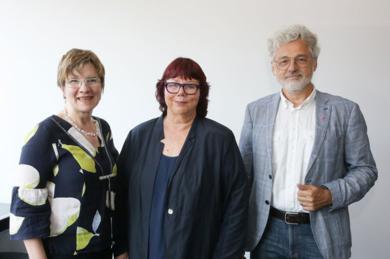 Geschäftsführender Vorstand kompetenzz. v.l.n.r. Prof. Dr. Nicola Marsden (stellv. Vorsitzende) , Prof. Barbara Schwarze (Vorsitzende), Prof. Dr. Friedrich Biegler-König (Schatzmeister)