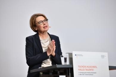 Schirmherrin der Initiative Klischeefrei Elke Büdenbender